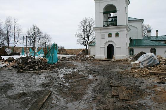 Изборская крепость сразу после реставрации