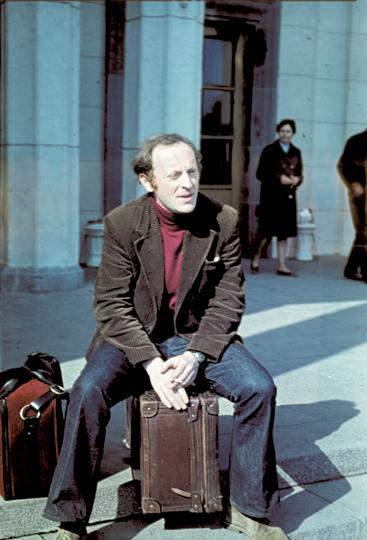 Иосиф Бродский в аэропорту Пулково за несколько минут перед уходом на таможенный досмотр. 4 июня 1972 года
