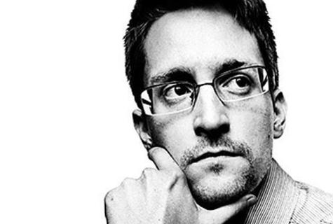 Сноуден окрестил «черным днем для России» принятие «пакета Яровой»