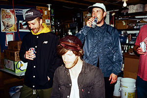 Portugal. The Man: «Почему мы должны скрывать, что выросли на Бивисе и Баттхеде?»