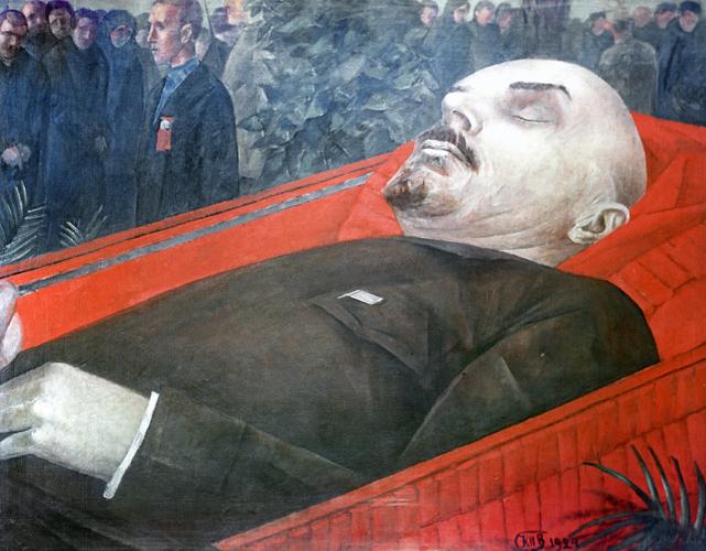 Рабочие у гроба В.И. Ленина