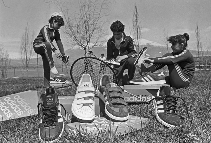 35d55f44 Разговор про кроссовки всегда оказывается разговором про стереотипы ...