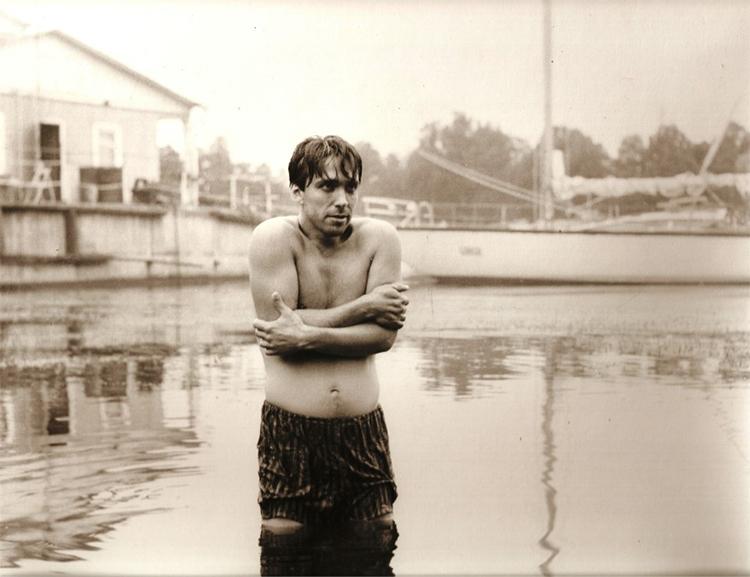 Кадр из фильма «Лох — повелитель воды». 1993 / © Из архива Александра Кушнира