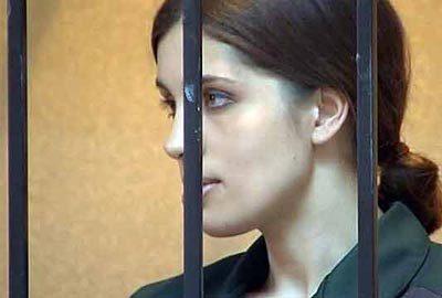 Сексапильное тело красавицы Надежда Толоконникова. Фото и видео бесплатно без порно